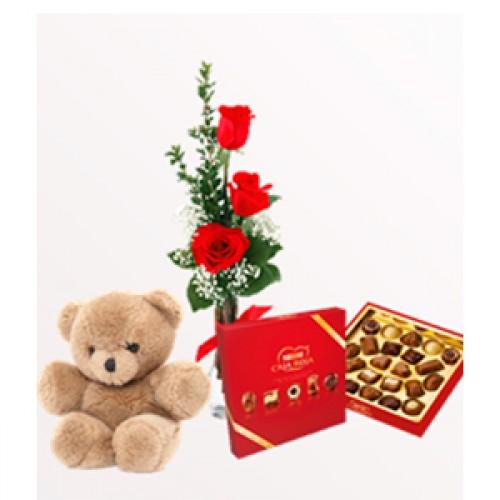 Ramo 3 rosas, caja de bombones y osito de peluche